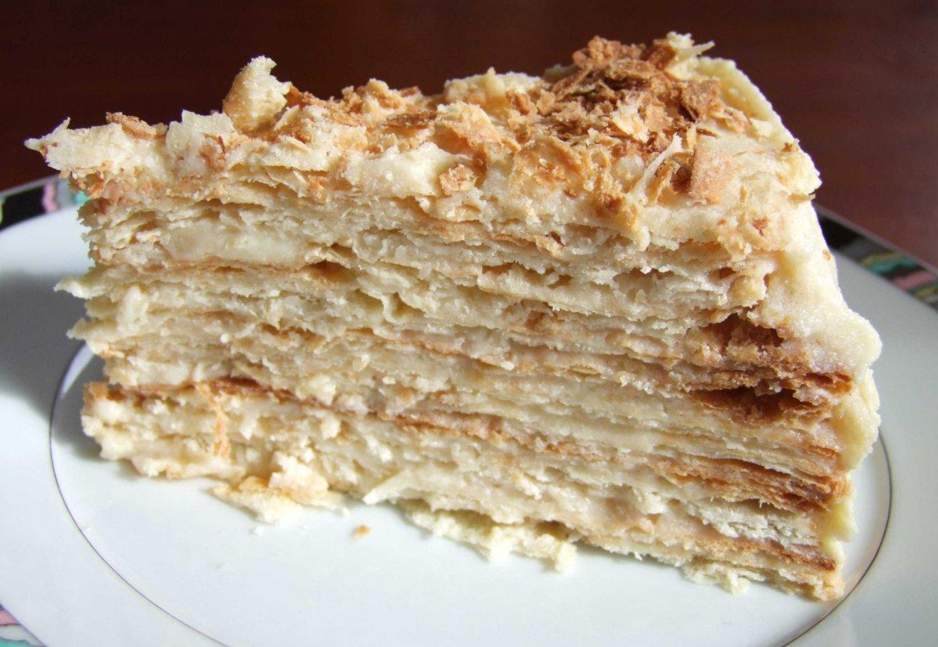 ...а):хочу пельмени по уральски, чай с лимоном и кусочек торта - наполеон.